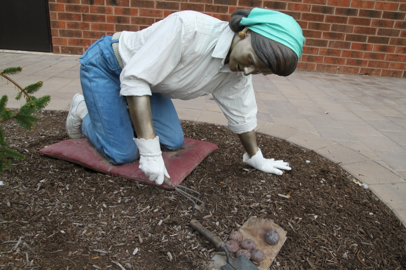 """Seward Johnson's Sculpture """"Down to Earth"""" Grounds for Sculpture"""